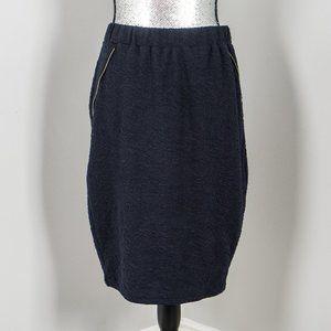 NWOT navy knit skirt with zipper trim - L
